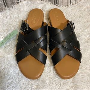 NWT Easy Spirit Evolve Pace Sandals. Size 8.5M